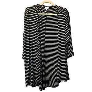 NWT lularoe black/white stripe Lindsey size large